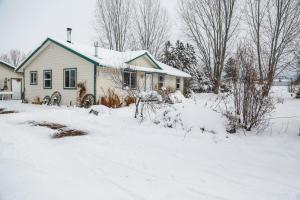 566 Ambrose Creek Road, Stevensville, MT 59870