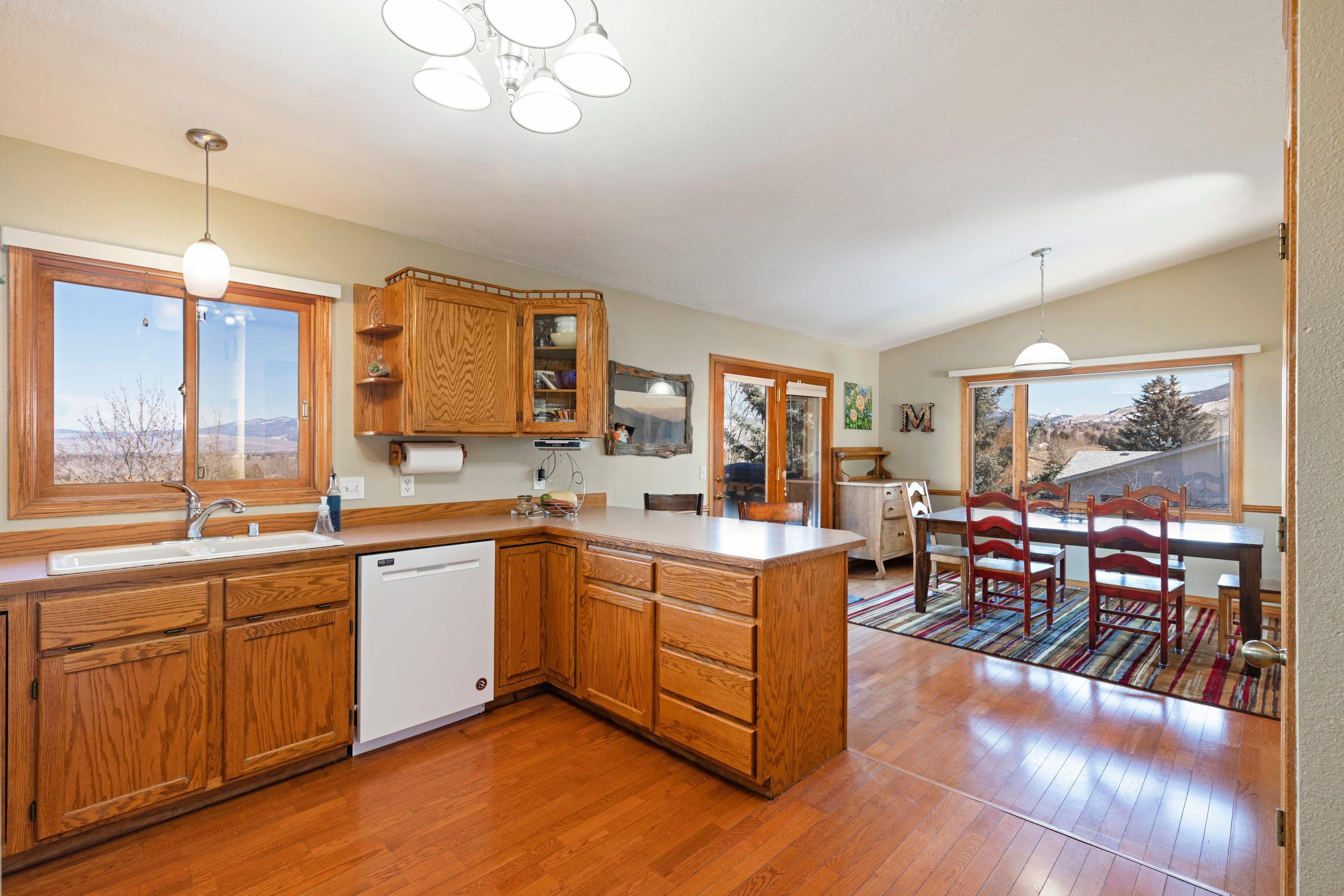 Property Image #2 for MLS #22103455