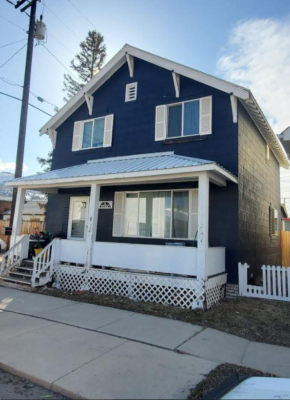 This spacious 3 bedroom 1.5 bathroom home will not last long. The home also offers a detached 2 car garage. Call Jennifer Shea at 406-560-5366 or your real estate professional to schedule a showing.