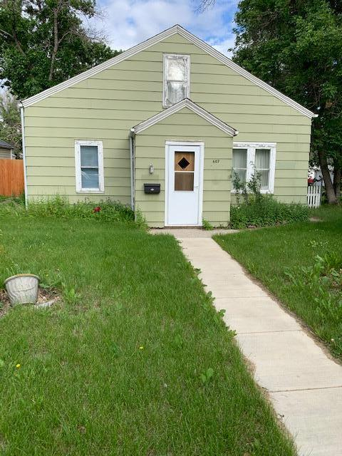 Would make great rental property, currently rented. 3 Bedrooms, 1 Bath, Office area.Established Yard. SOLD AS IS.Call Tresha Holden at 406-450-3382 or your Real Estate Professional.