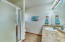 Main Bedroom en Suite Bathroom