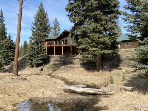 Private and Peaceful: 4.47 Acres border 13+Acres of Common Ground~ Spectacular!