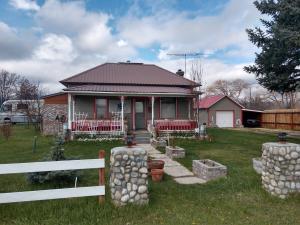 349 Cooper Lane, Hamilton, MT 59840