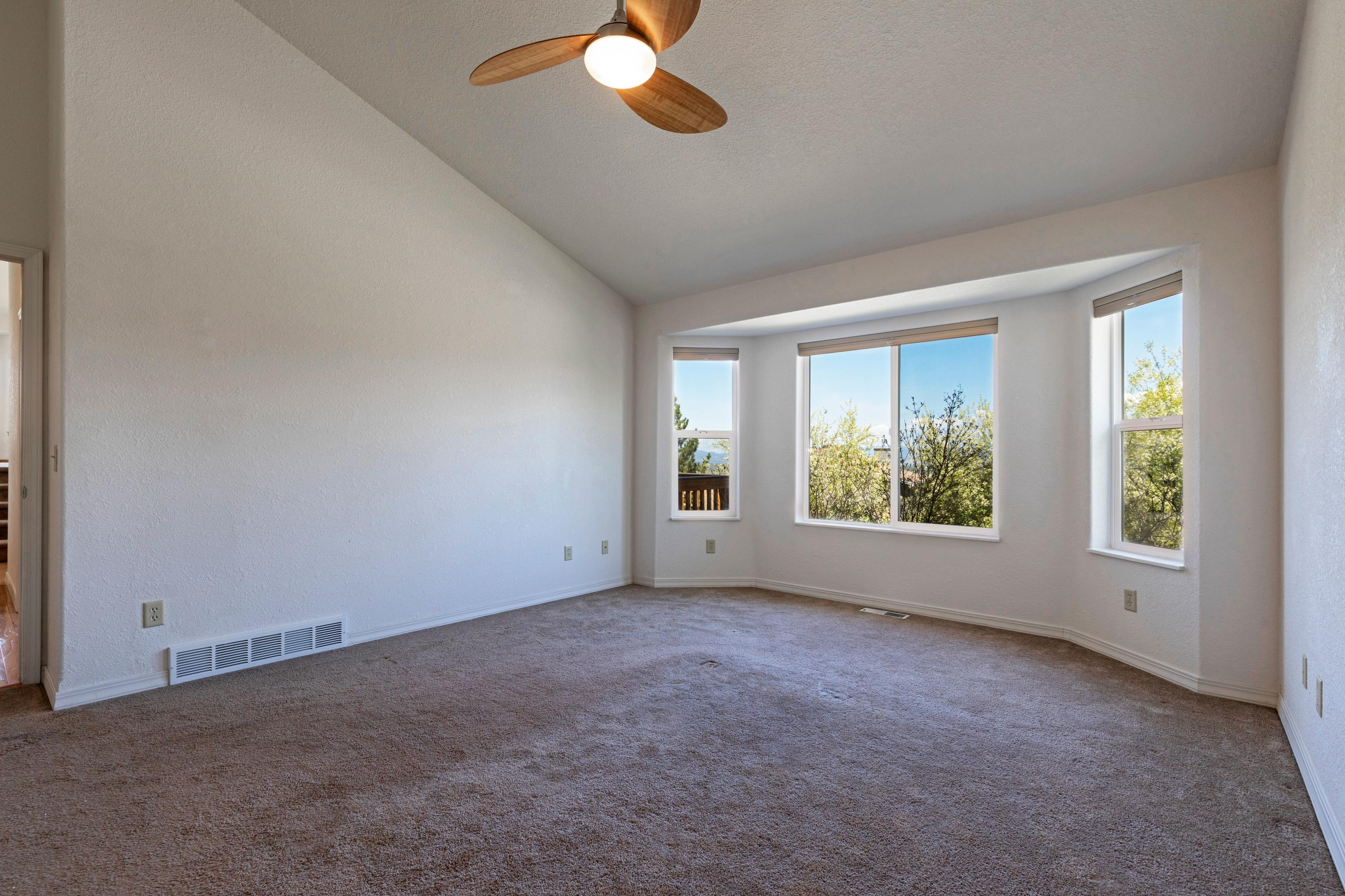 Property Image #6 for MLS #22106884