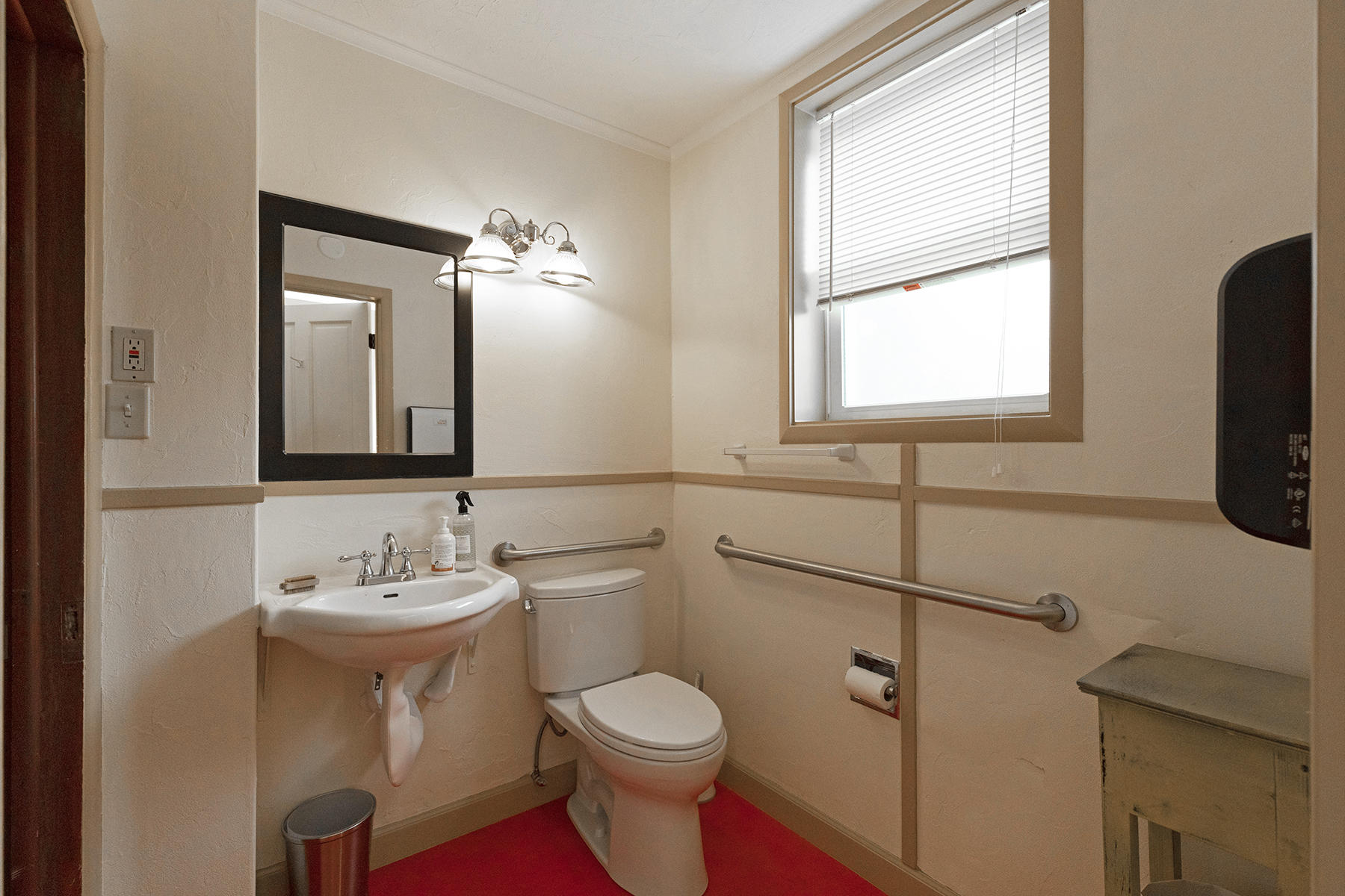 Property Image #2 for MLS #22107143