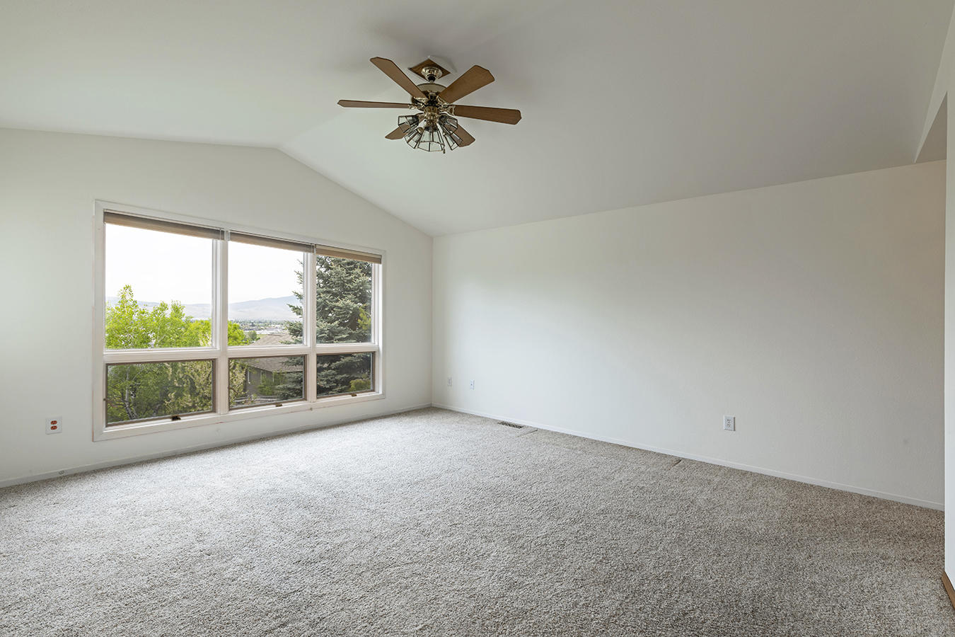 Property Image #5 for MLS #22107273