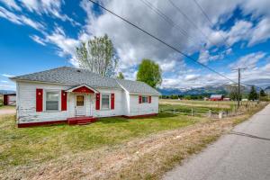 239 Woodside Cutoff Road, Corvallis, MT 59828