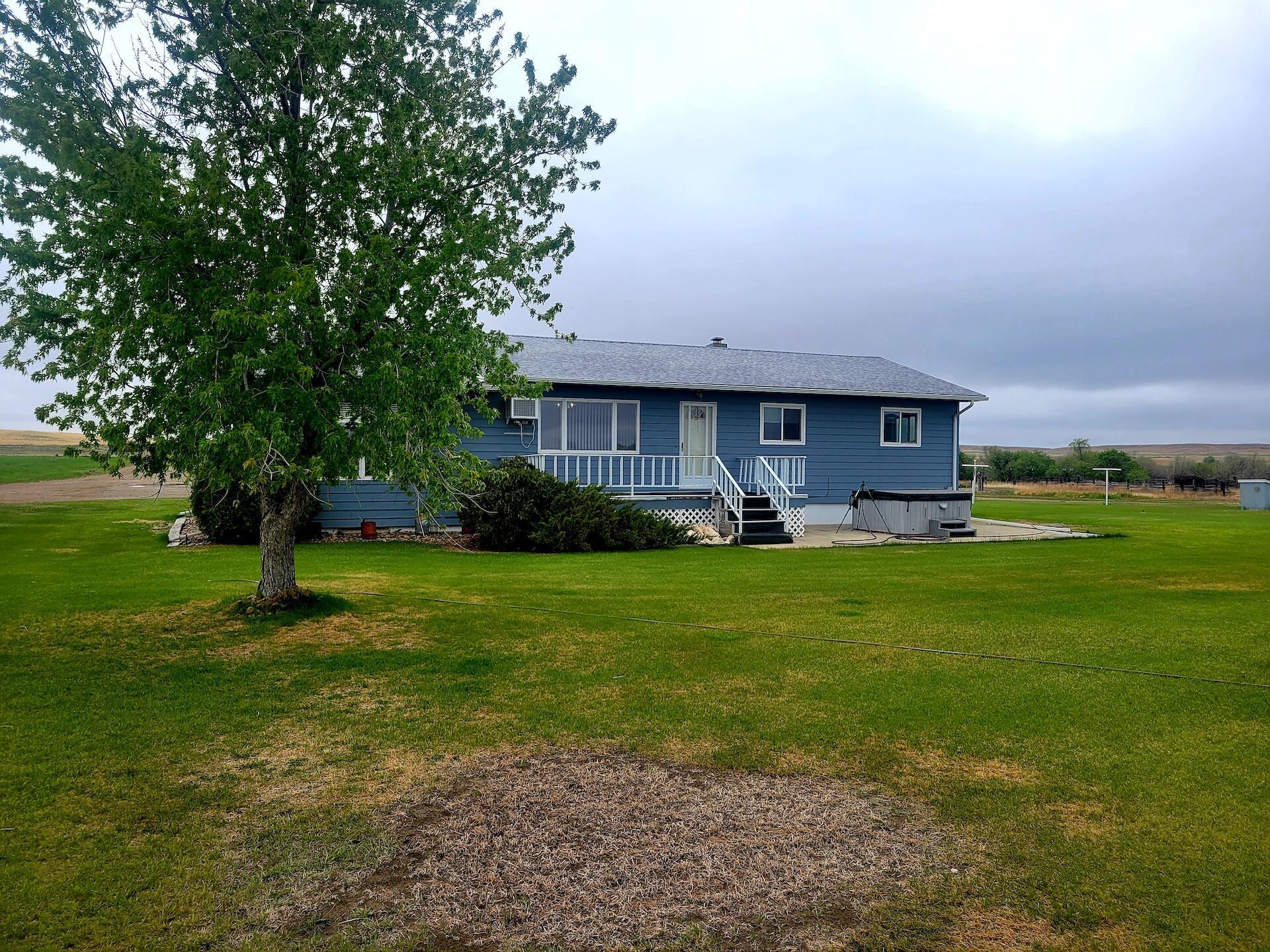 10459 County Road 340, Savage, MT 59263