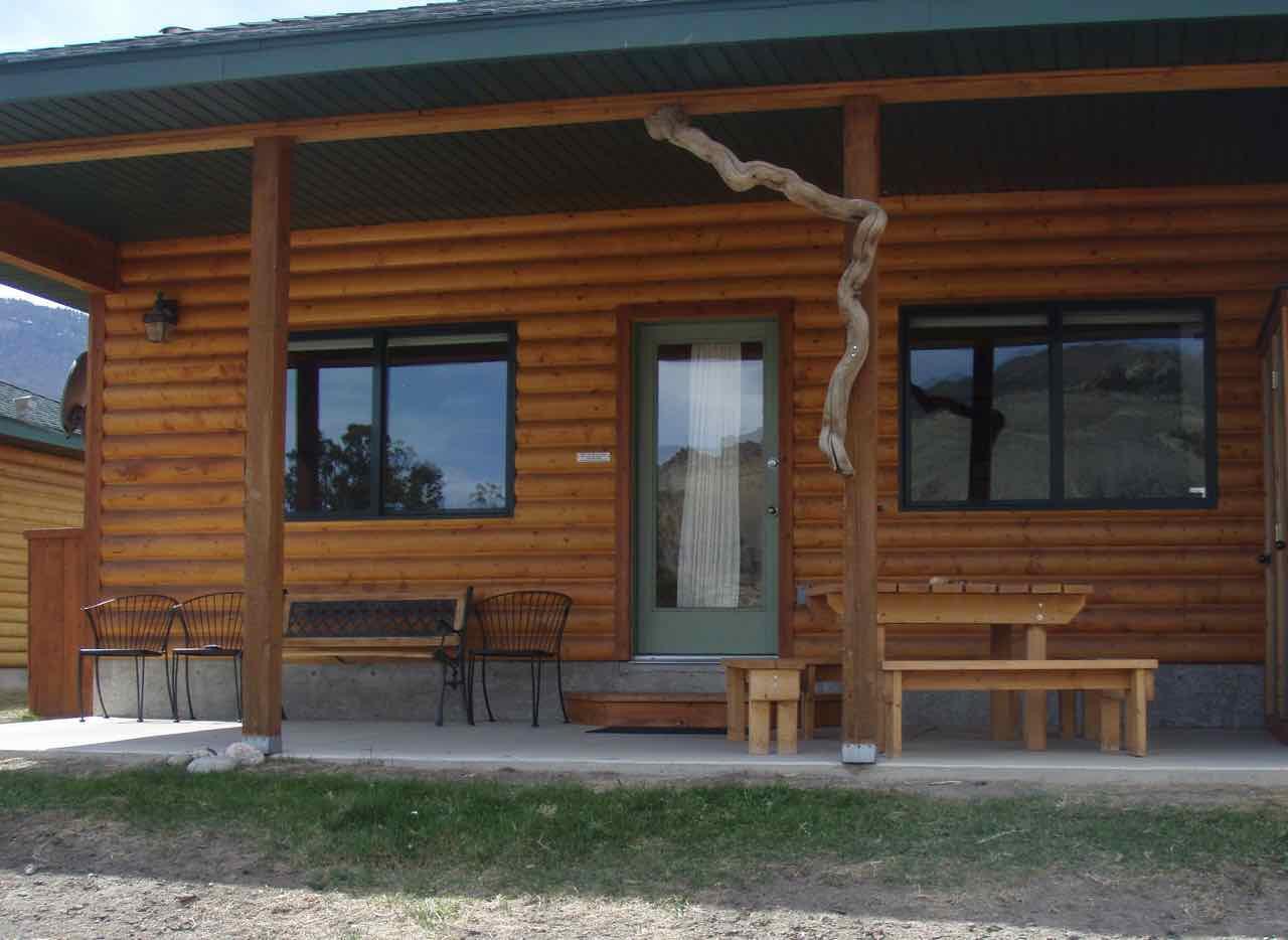 550 Old Yellowstone Trail S, Gardiner, MT 59030