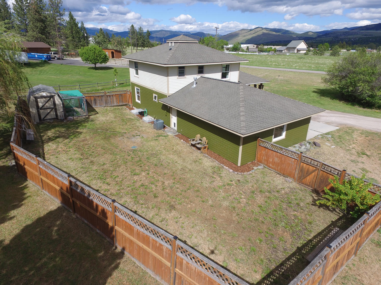 Property Image #2 for MLS #22107994