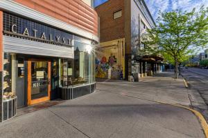 111 North Higgins Avenue, Missoula, MT 59802