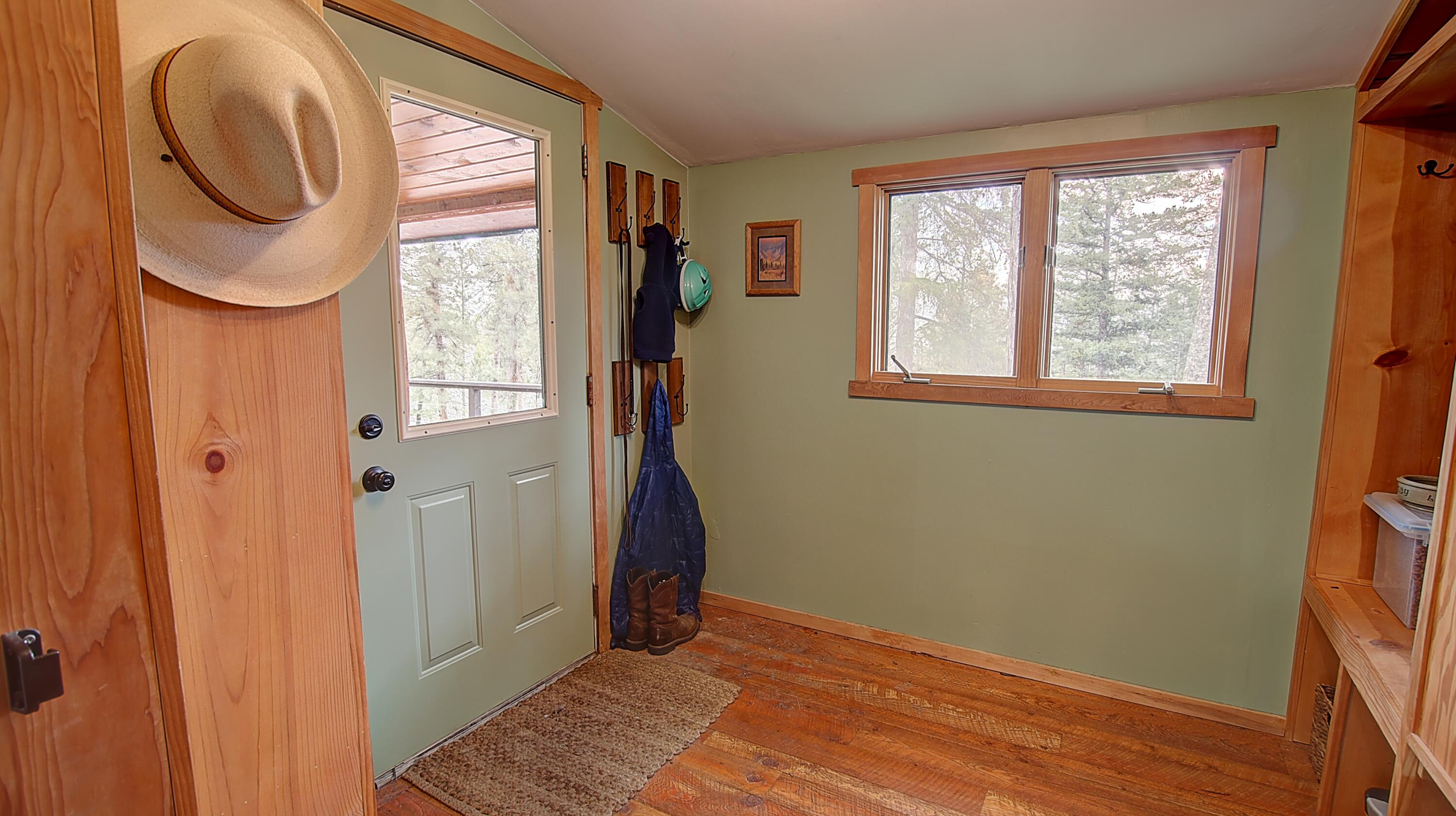 Property Image #2 for MLS #22108583