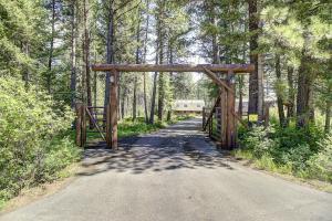 20750 Whispering Pines Road, Missoula, MT 59808