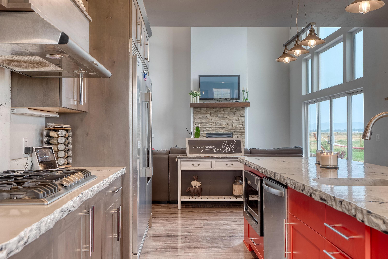 Kitchen with Livingroom
