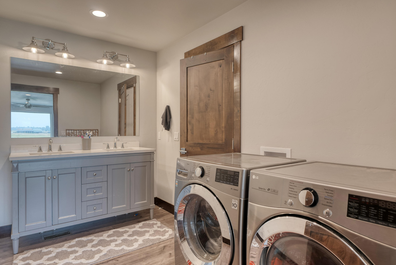 Guest Bath/Second Laundry