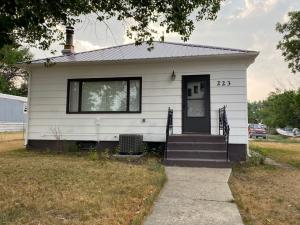223 2nd Avenue South East, Shelby, MT 59474