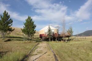 98 Homestead Lane, Philipsburg, MT 59858
