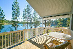 Gorgeous Deck to Relax and Enjoy the Views