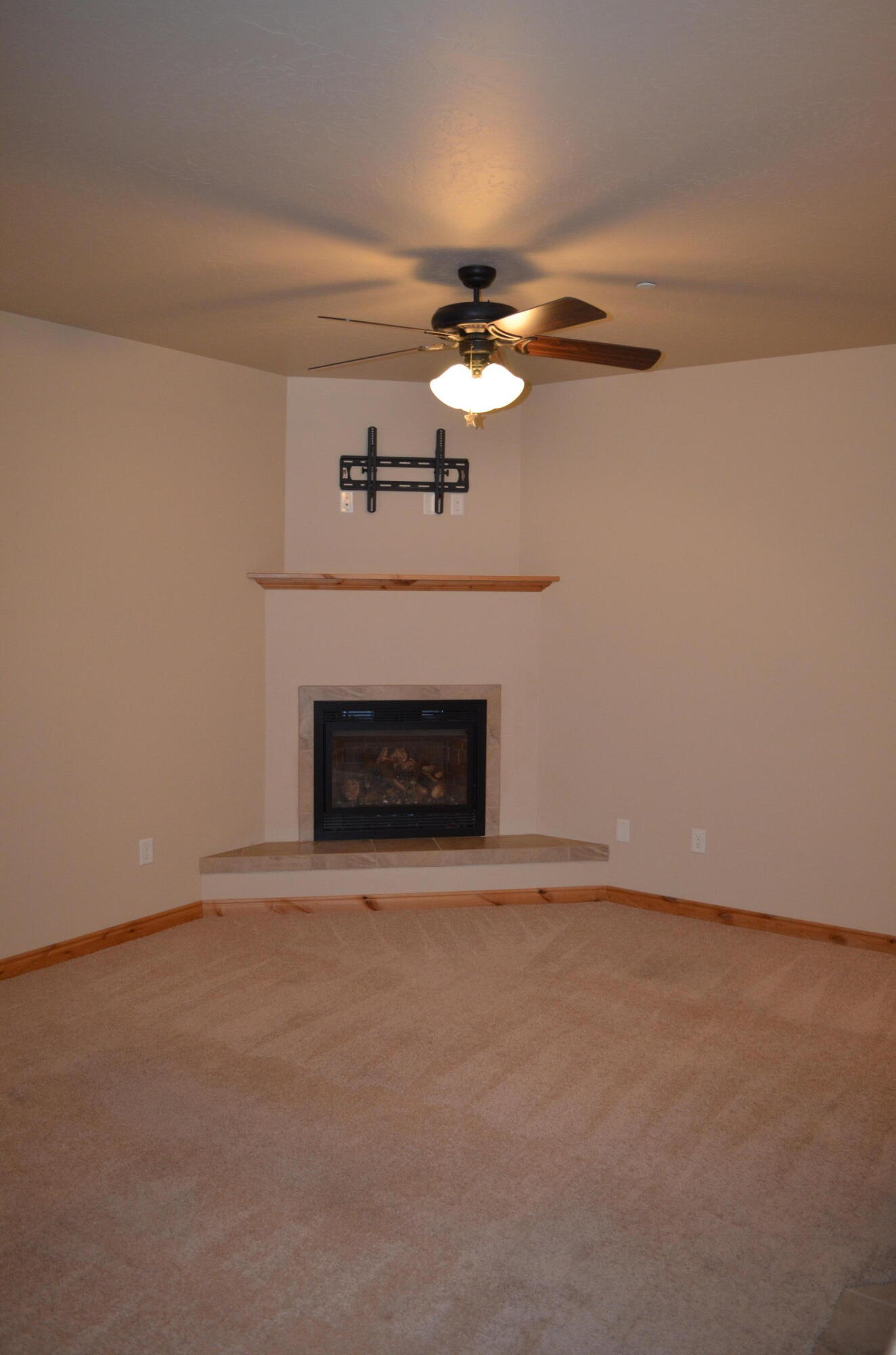 Property Image #6 for MLS #22114004