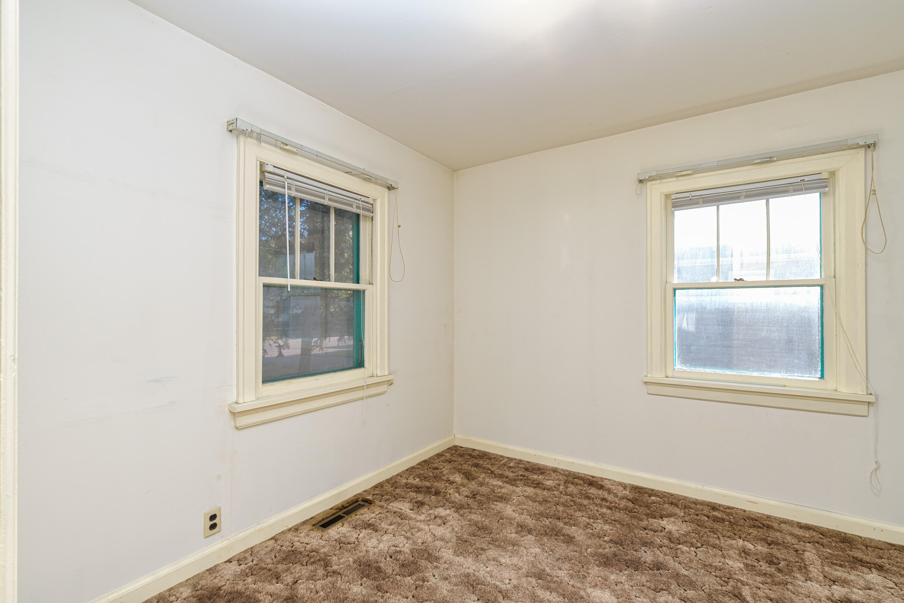 Property Image #2 for MLS #22114173