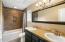 Primary bedroom en-suite
