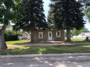 102 1st Ave. Sw, Choteau, MT 59422