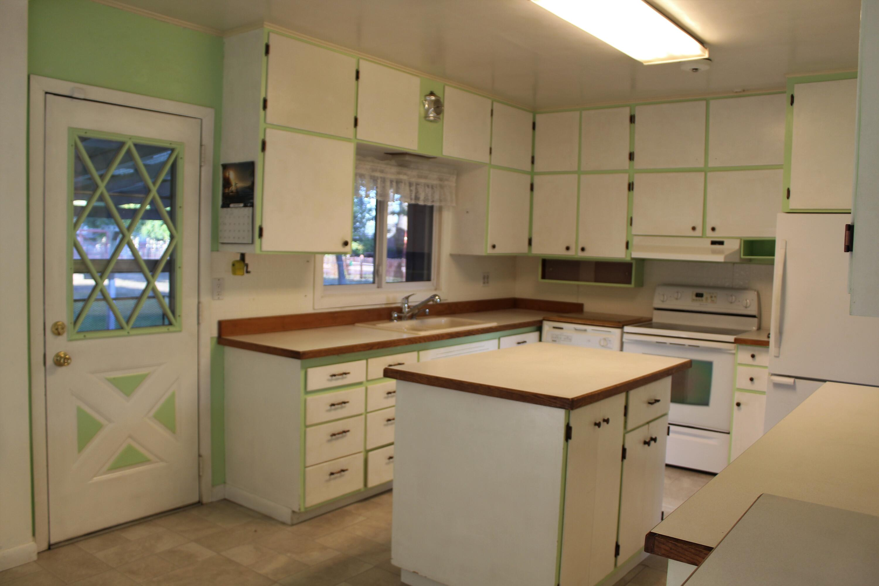 Property Image #2 for MLS #22114674