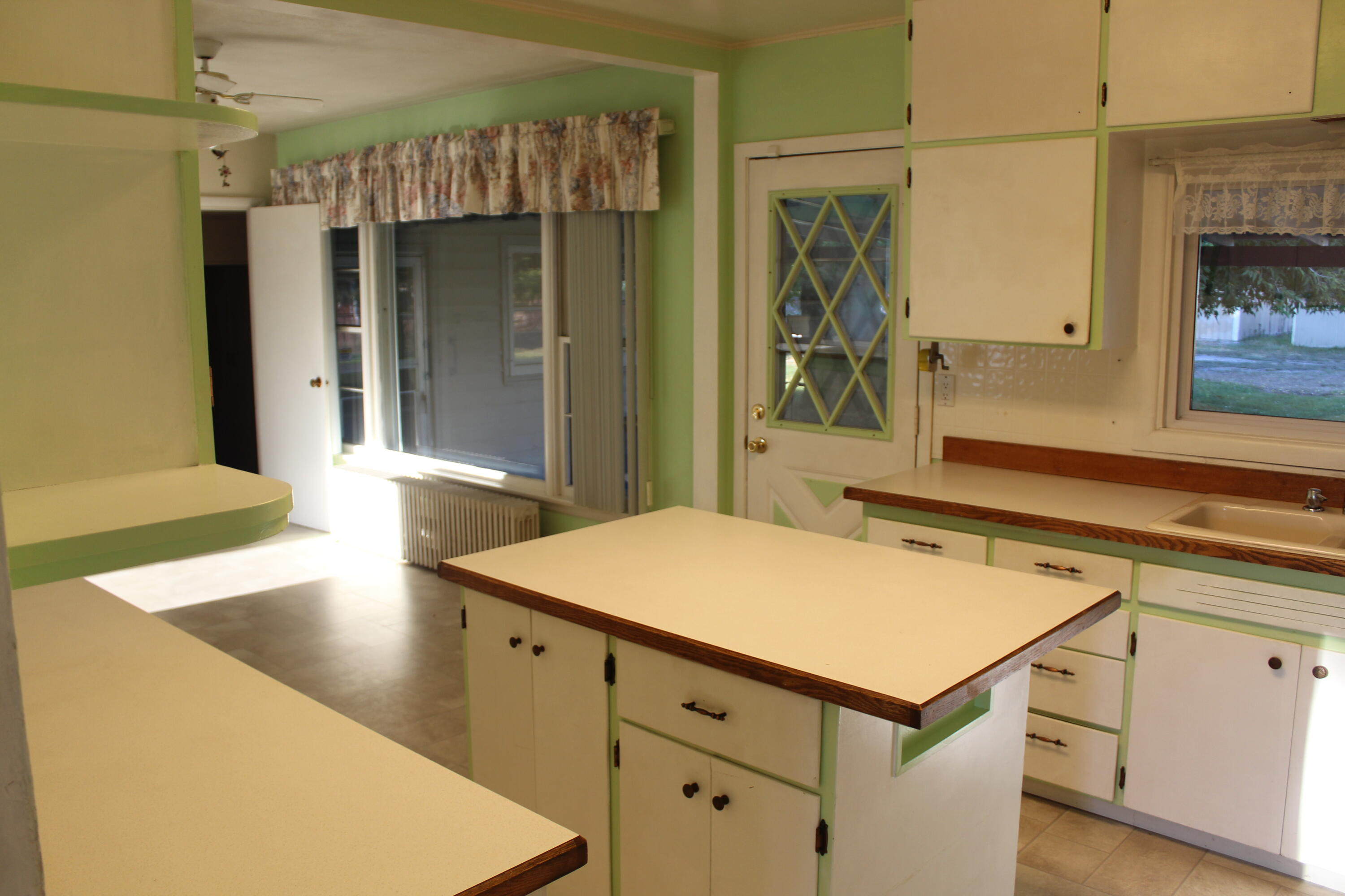 Property Image #3 for MLS #22114674