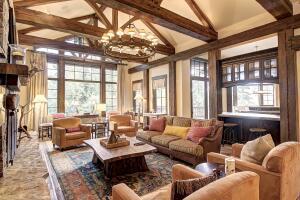 Spacious, open concept living room