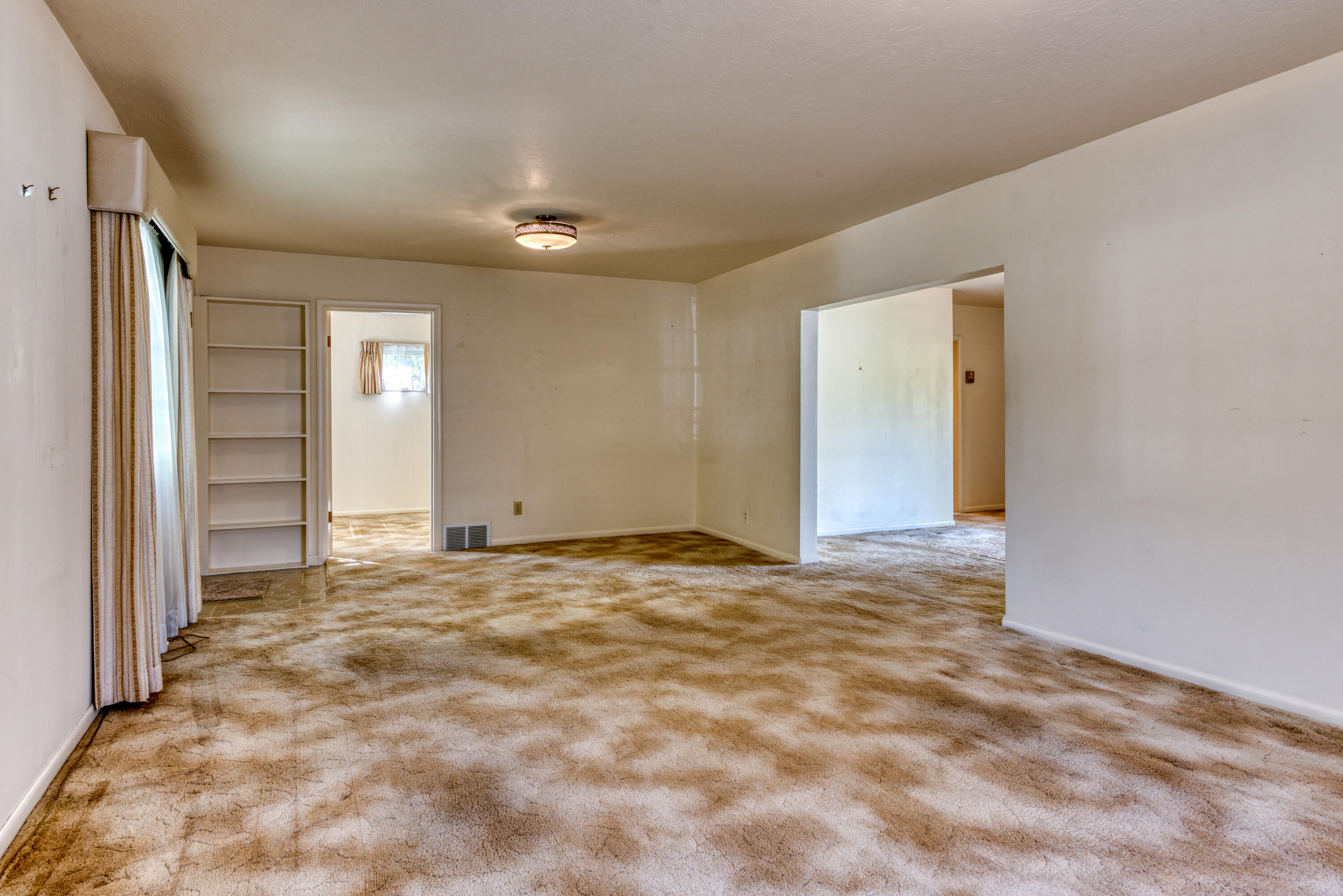 Property Image #2 for MLS #22115851