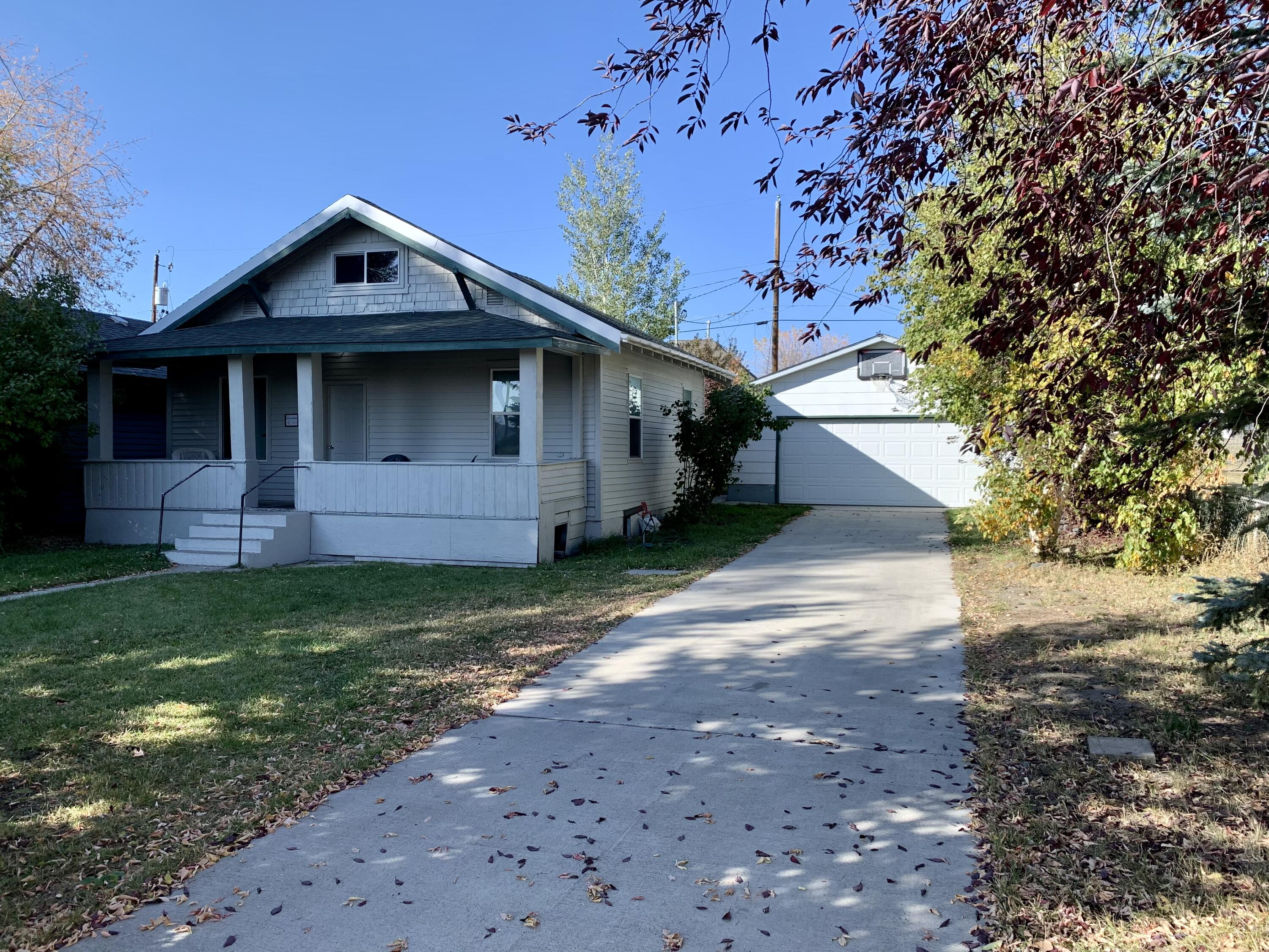 Great move in ready home with a fabulous finished 2 car garage. There are 2 bedrooms on the main floor plus an office space that leads to the upstairs, which has 2 unfinished bedrooms.