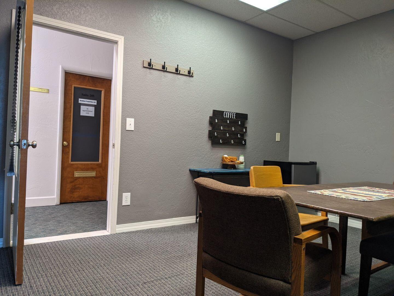 800 210C Room 1-2