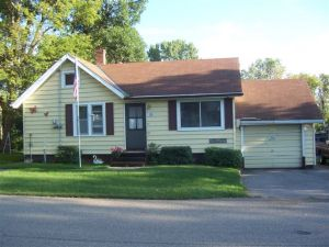 211 W WOODLAND AVE, Underwood, MN 56586
