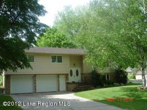 206 E DOUGLAS Avenue, Fergus Falls, MN 56537