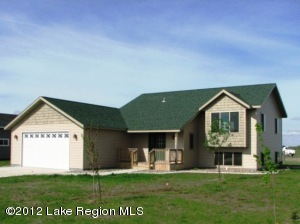 822 SW 8TH Avenue, Perham, MN 56573