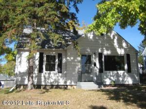 627 E SUMMIT Avenue, Fergus Falls, MN 56537