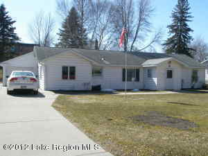 916 E CAVOUR Avenue, Fergus Falls, MN 56537