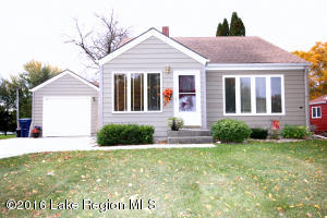 430 E St Charles Avenue, Fergus Falls, MN 56537