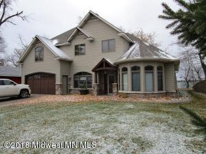 216 Shorewood Drive, Detroit Lakes, MN 56501