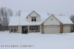 18526 Willow Springs Rd, Detroit Lakes, MN 56501