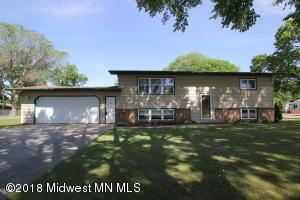 1304 N Cleveland Avenue, Fergus Falls, MN 56537