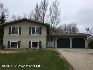 1017 Villa Lane, Detroit Lakes, MN 56501