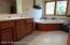 Whirlpool tub, 2 sinks, separate shower