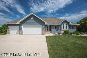 3525 Pebble Hills Drive, Fergus Falls, MN 56537