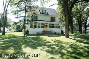324 S Lakeside Drive, Fergus Falls, MN 56537
