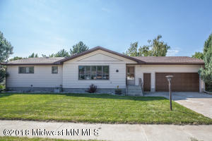 205 7th Street SE, Barnesville, MN 56514