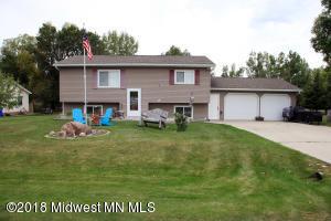 1324 Pelican Lane, Detroit Lakes, MN 56501