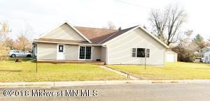 402 4th Street NW, Wadena, MN 56482