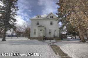 305 3rd Street N, Breckenridge, MN 56520