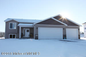 1931 Longview Dr, Detroit Lakes, MN 56501